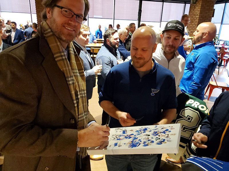 Chris Pronger signing picture